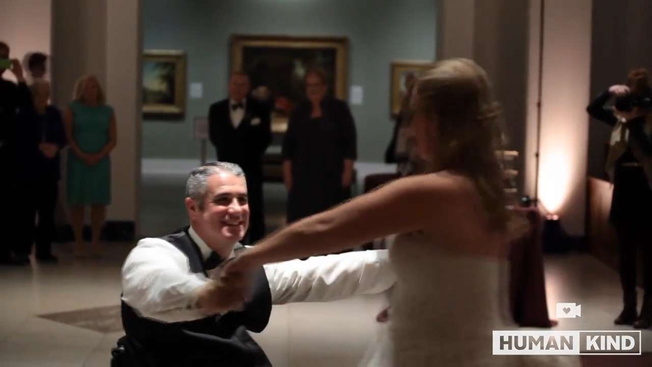 Surprise wheelchair dance wows at this wedding