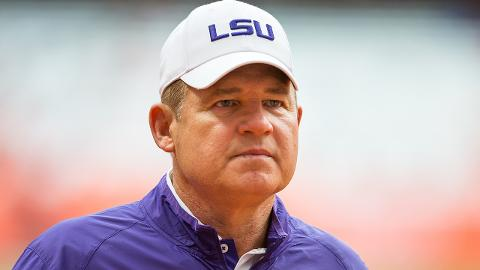 Reports: Les Miles discussed LSU future with boosters