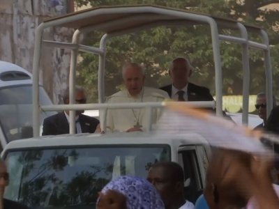 Raw: Pope Ends Visit to Central African Republic