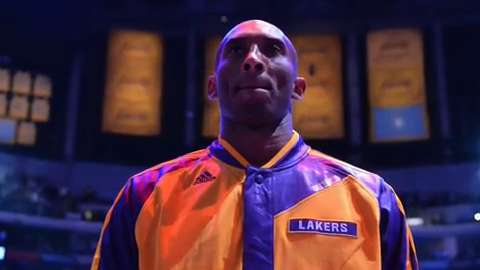 Kobe Bryant looked like the Kobe of old, hitting clutch shots late to lift the Lakers over the Wizards.