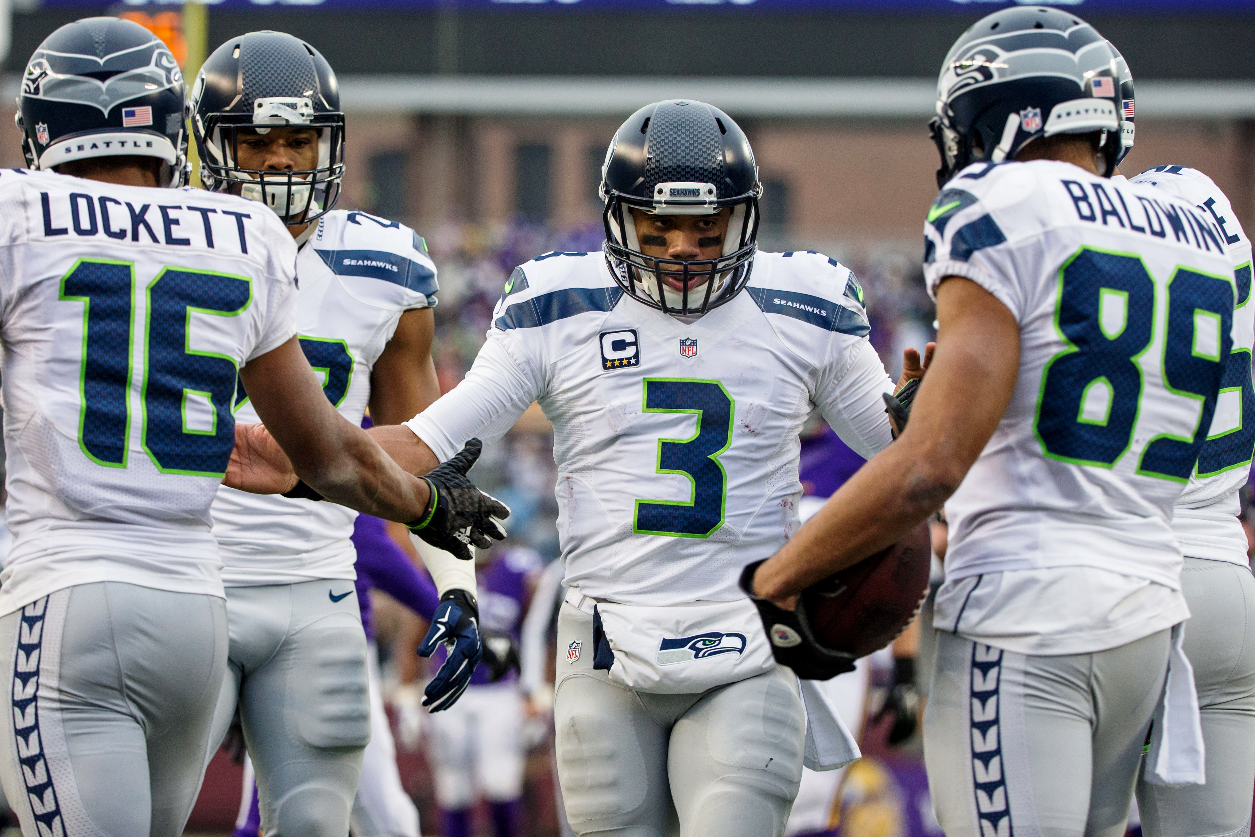 a8551dd7eff Russell Wilson guides Seahawks  shifting dynamic in rout of Vikings