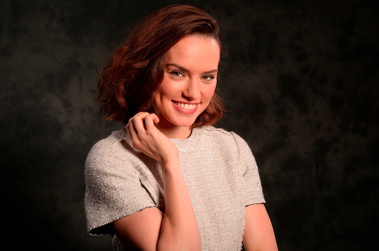 Daisy Ridley answers a 'Star Wars' fan's question