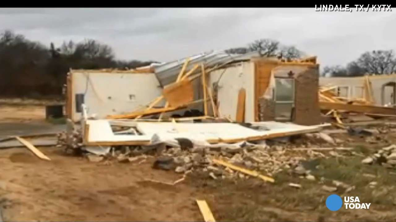Texas town cleans up after tornado