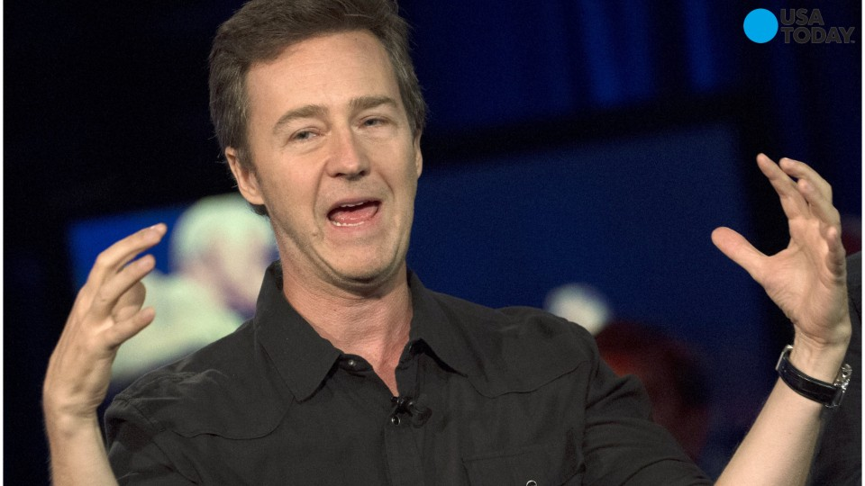 Edward Norton raises nearly $400,000 for Syrian refugee family
