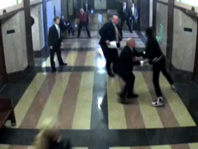 Surveillance cameras at the Oklahoma County courthouse have captured video of a defendant trying to escape deputies and being tackled to the ground by the district attorney and several other lawyers. (Dec. 15)