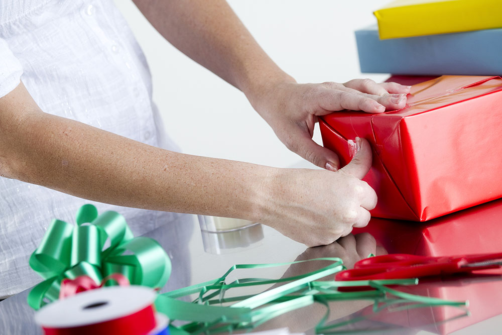Instructions for stress-free gift wrapping