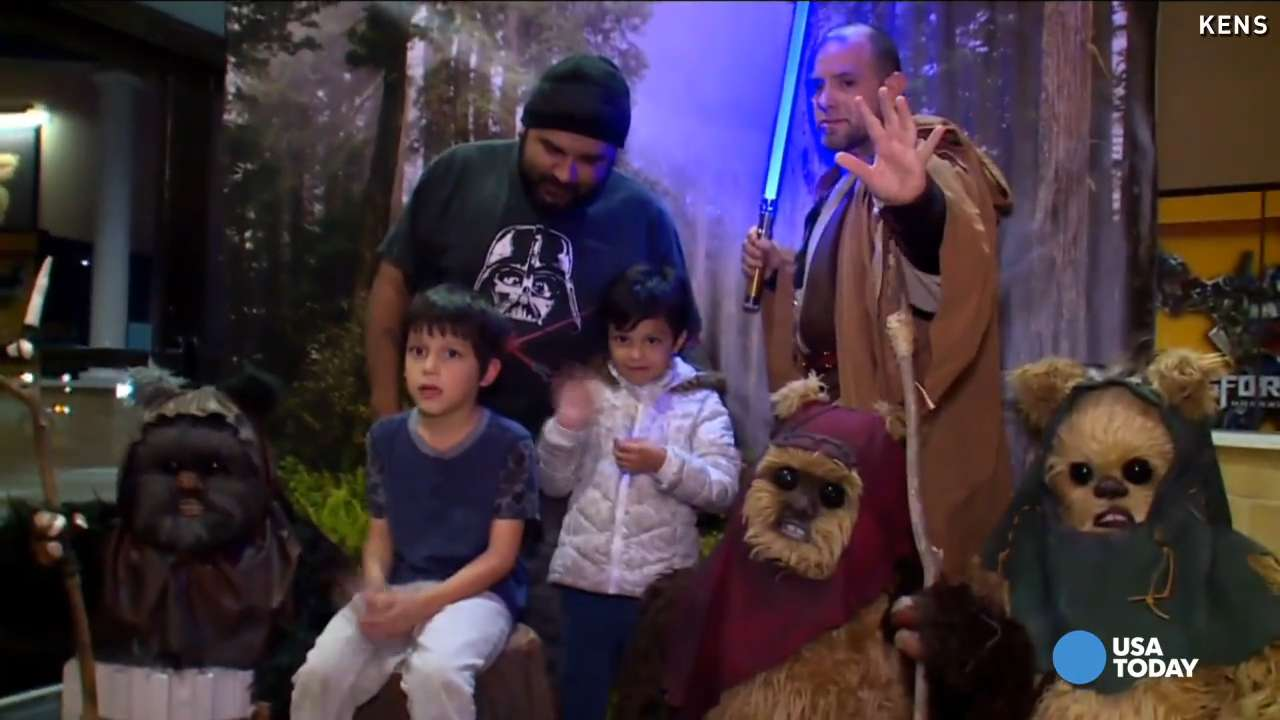 'Star Wars' fans go all out for movie premiere