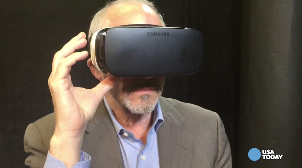 How business changed in 2015: Lower prices helped bring virtual reality to the masses