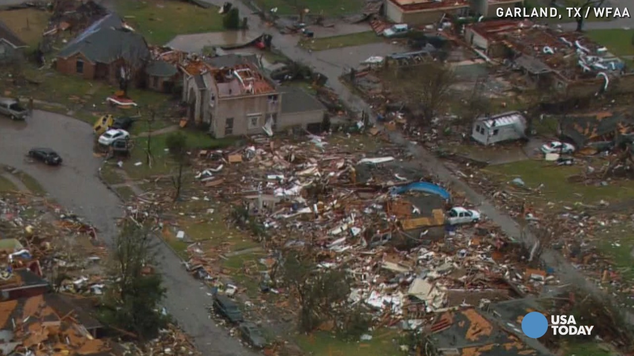 Texas tornado victims worry about looters