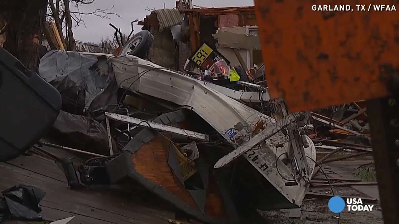 Couple clings to carpet, hope during Texas tornado