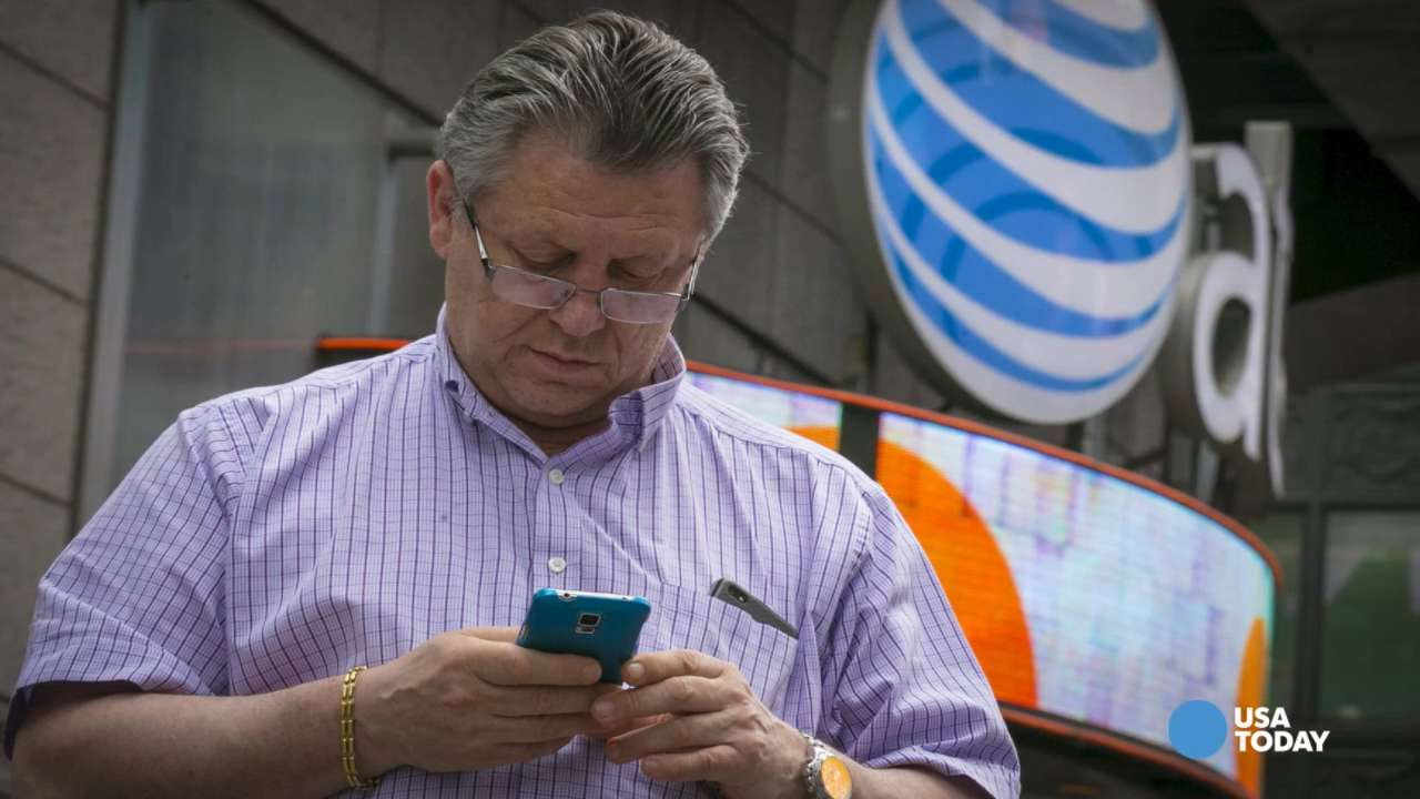 AT&T plans to end two-year contracts in 2016