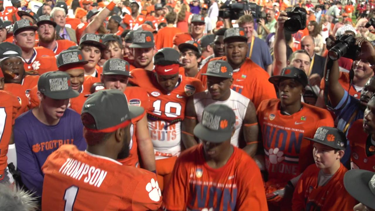 Clemson players dance on the field after beating Oklahoma  37-17.