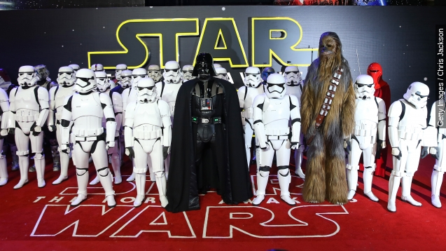'Star Wars: The Force Awakens' sinks 'Titanic' record