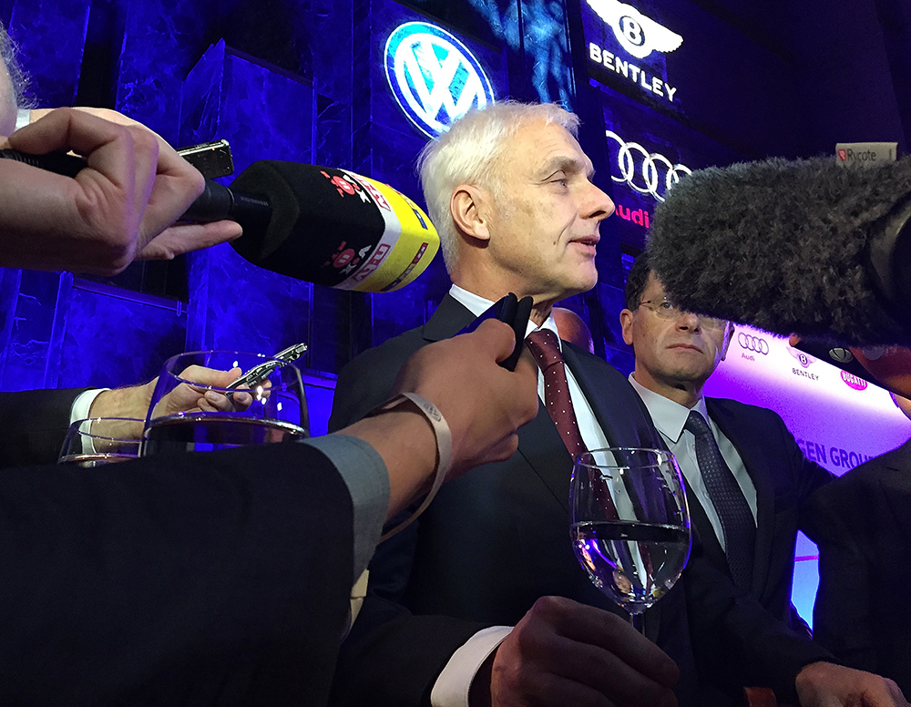 VW CEO apologizes for emissions scandal