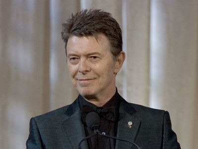 Star tributes pour in for David Bowie