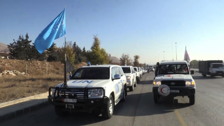 New aid convoy heads to besieged Syrian town