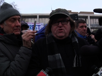Michael Moore returns to Flint amid water crisis