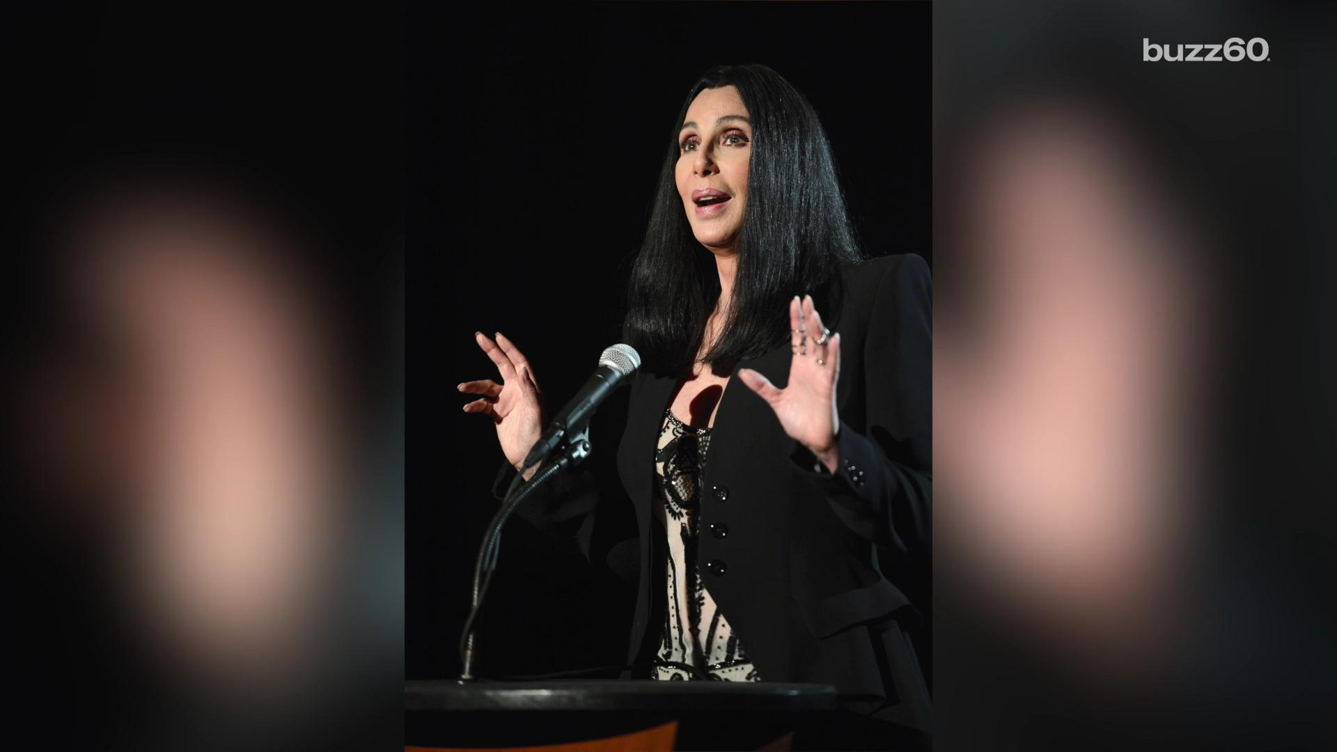 Cher believes in helping Flint and donates 181,000 bottles of water