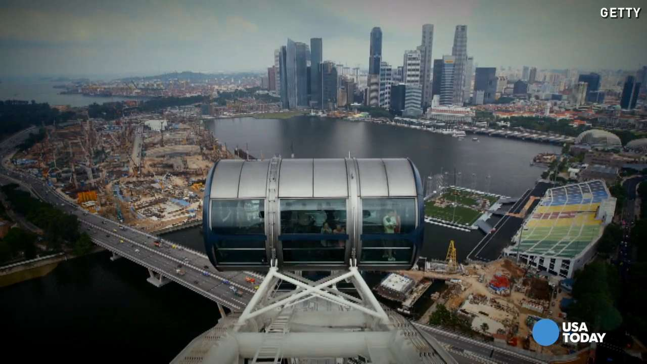 You can see three countries from Singapore's biggest Ferris wheel, and it's not even the tallest in the world.