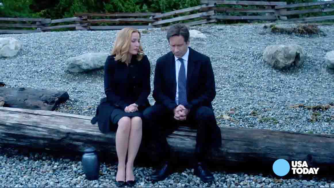 As 'The X-Files' returns for a six-episode run on Fox, stars Gillian Anderson and David Duchovny engage in playful back-and-forth about the Scully-Mulder relationship.