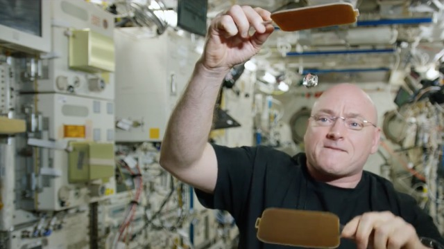 Watch astronaut play ping-pong with a water droplet in space