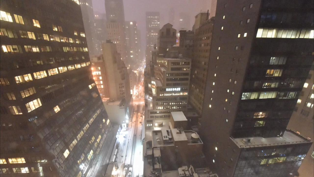 Time-lapse: Winter storm blasts into NYC