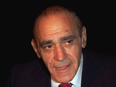 Abe Vigoda, sad-eyed character actor, dead at 94; Miley Cyrus to star in Woody Allen's Amazon series; Fox Searchlight acquires Sundance hit 'Birth of a Nation.' (Jan. 27)
