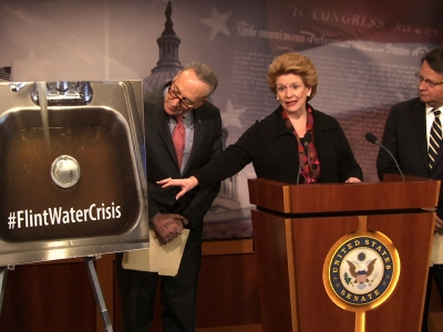 Senate Dems Pitch $400 Million for Flint Pipes