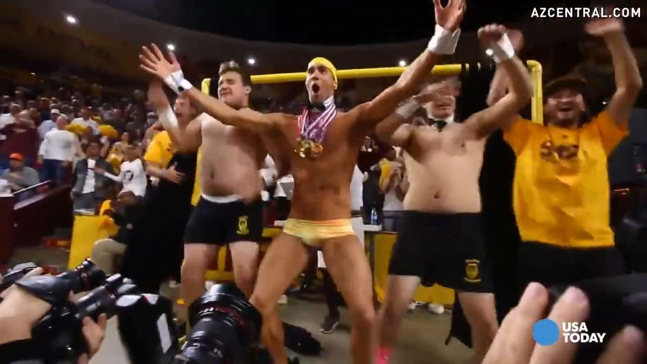 Would you let an Olympic gold medalist distract you from making a free throw? Michael Phelps was hoping so when he joined Arizona State's 'curtain of distraction'.