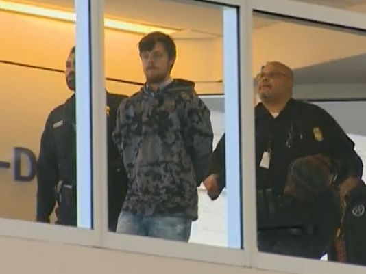 'Affluenza' teen remains in juvenile detention for now