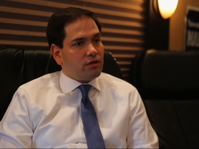 Rubio Details Immigration Plan on Campaign Bus