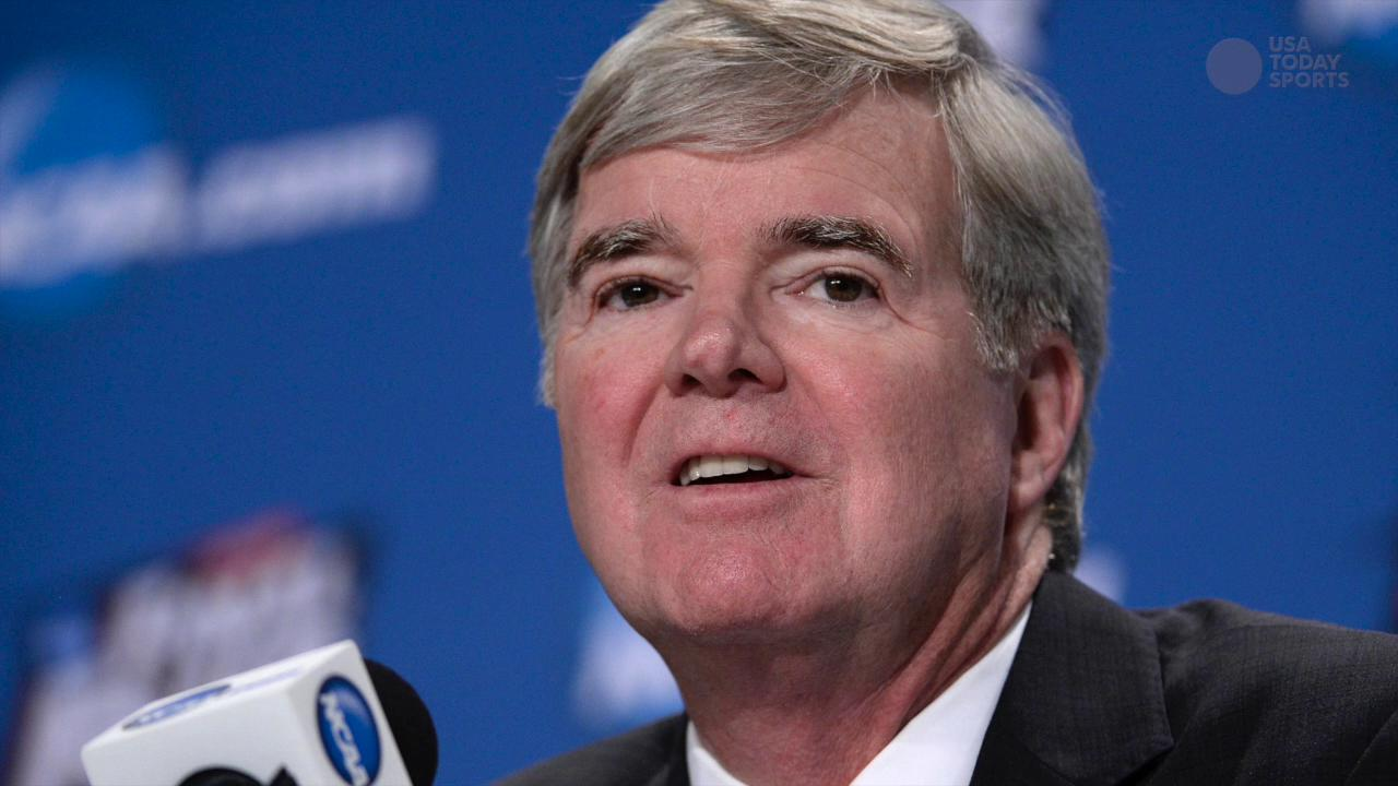 NCAA president Mark Emmert gets contract extension