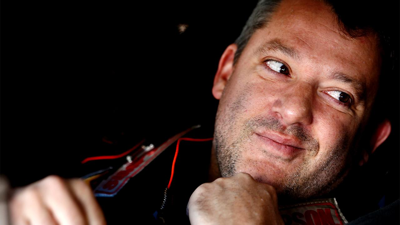 Tony Stewart will retire after the 2016 Sprint Cup season.