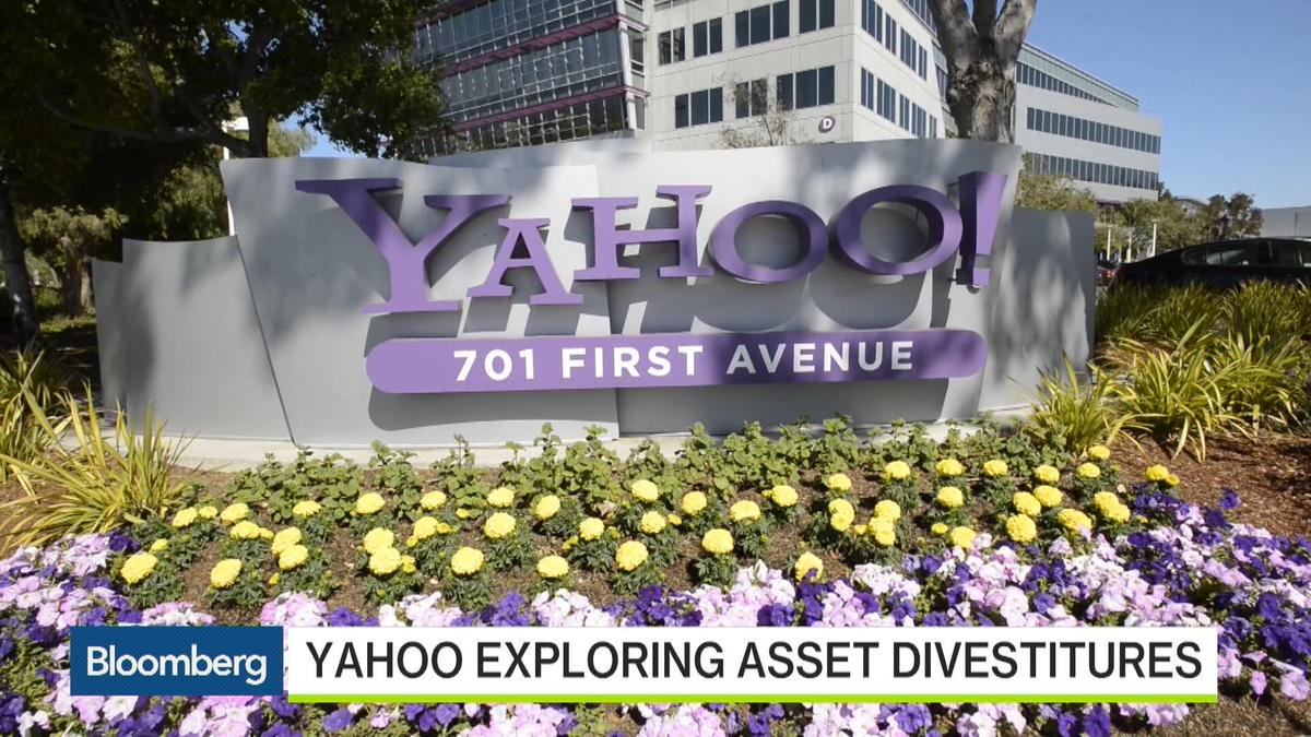 "Feb 2 -- Lerer Hippeau Ventures' Eric Hippeau and Bloomberg's Alex Sherman discuss Yahoo's turnaround plan with Emily Chang on ""Bloomberg West."" (Source: Bloomberg)"