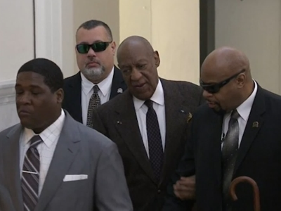 Raw: Cosby arrives for 2nd day of proceedings