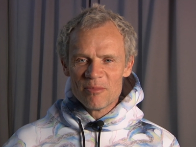 Red Hot Chili Peppers' bassist Flea talks about the band's support of Democratic presidential candidate Bernie Sanders and why he believes all his critics have unfounded worries. (Feb. 7)