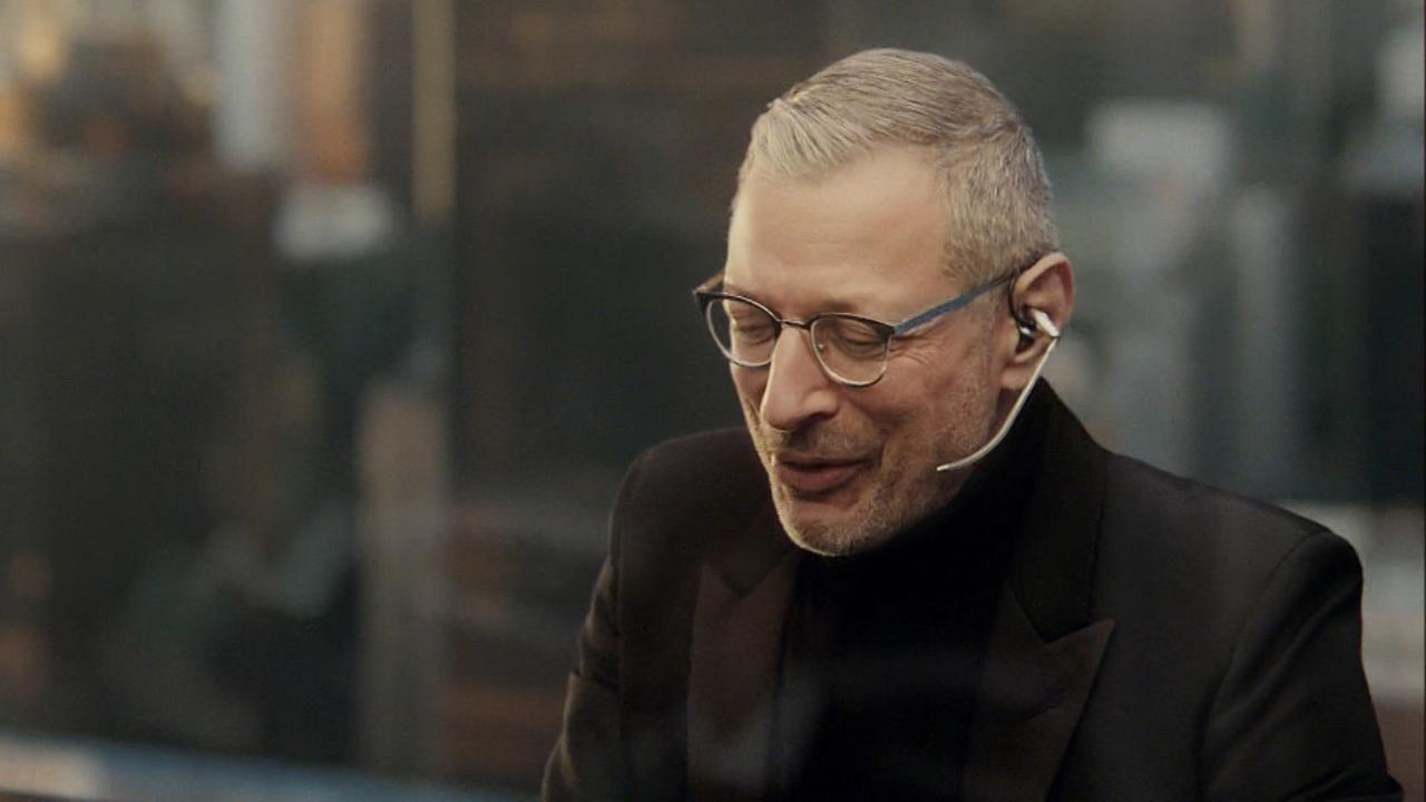 Jeff Goldblum and Lil Wayne teamed up in a Super Bowl commercial for Apartments.com.