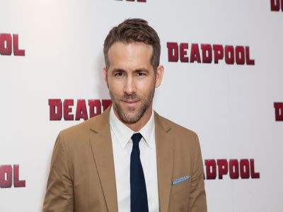 At the New York premiere of 'Deadpool,' lead actor Ryan Reynolds explains why Marvel's latest superhero outing is unique. He also meets Salt-N-Pepa, whose 1993 song 'Shoop' features in the movie. (Feb. 9)