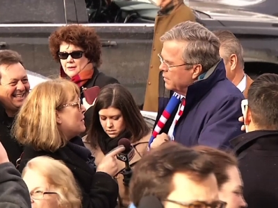 Bush Speaks With Voters in New Hampshire