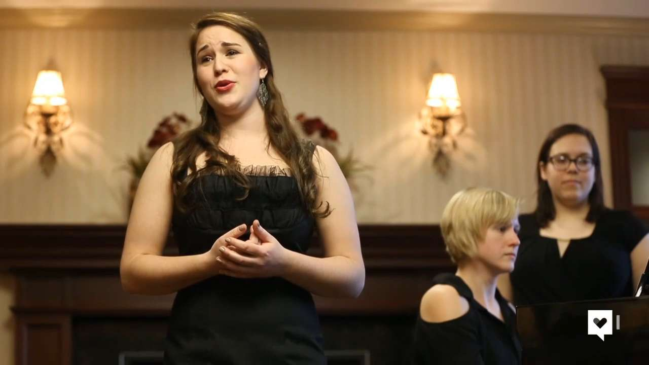 College senior sings to an audience she's always wanted