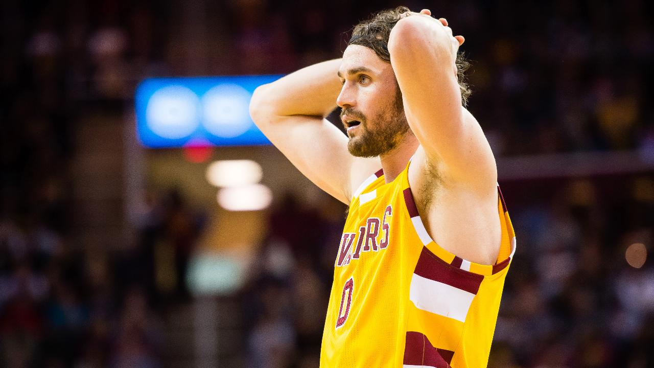 Cavs forward Kevin Love isn't expected to miss much time after leaving Wednesday night's game with a contusion on the same shoulder he dislocated during the 2015 playoffs, ESPN reported.