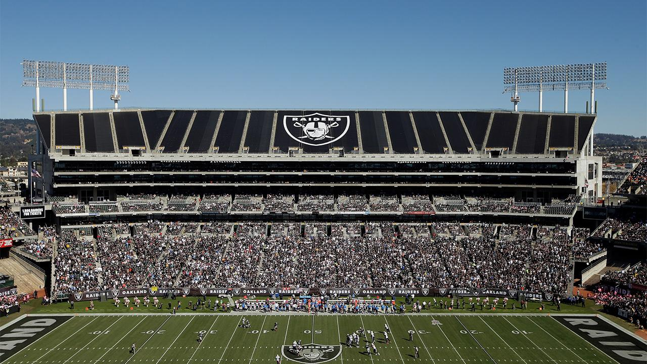 The Raiders have signed a one-year extension to their lease at O.co Coliseum in Oakland, with additional one-year options in 2017 and 2018, the team announced Thursday.