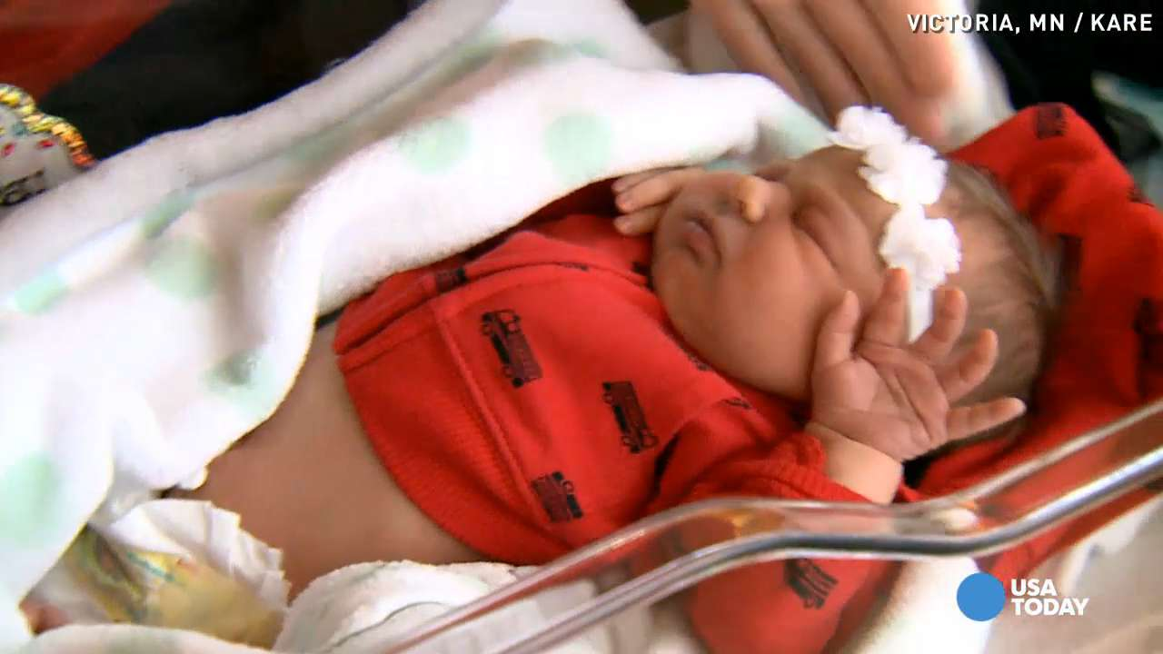 Mom can't get to hospital, gives birth at fire station