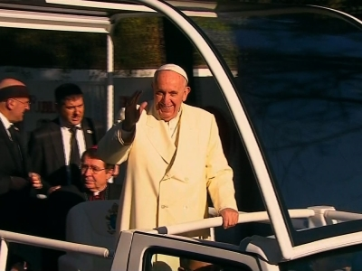 Raw: Mexico Cheers Pope as Visit Begins
