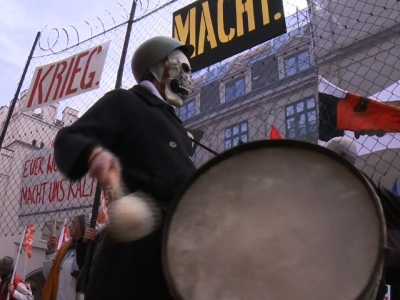 Some two-thousand anti-war protesters marched through the streets of Munich on Saturday, according to German police, calling for an end to global conflict amidst the city's ongoing security conference. (Feb. 13)