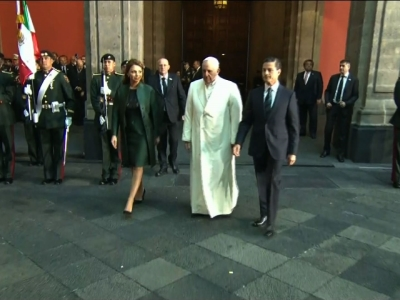 Pope Francis began his visit to Mexico with a welcome ceremony at the National Palace, where he was met by Mexican President Enrique Pena Nieto and his wife. (Feb. 13)