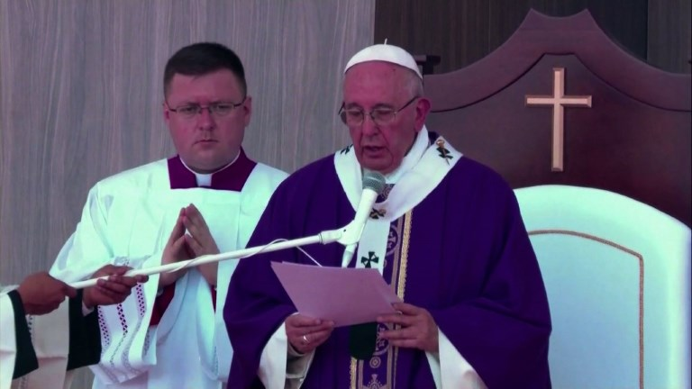 Pope wants Mexico free of 'merchants of death'