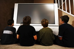 How to turn your home into a movie theater for $200