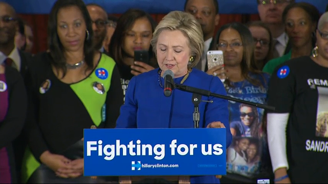 Bland's Mother Stumps with Clinton in Chicago