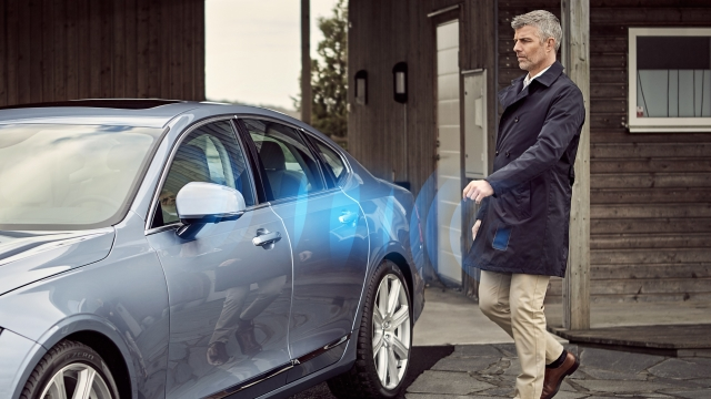 Volvo Cars says smartphones will take the place of keys, starting in 2017
